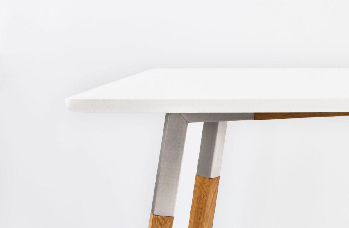 Dine pöytä